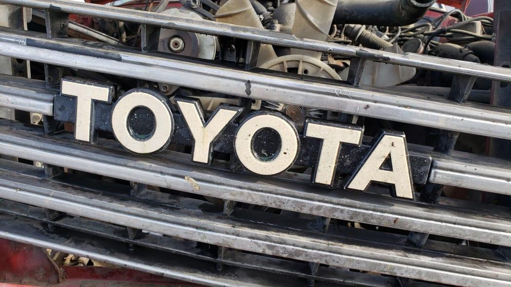 25 - 1987 Toyota Land Cruiser in Colorado Junkyard - photo by Murilee Martin