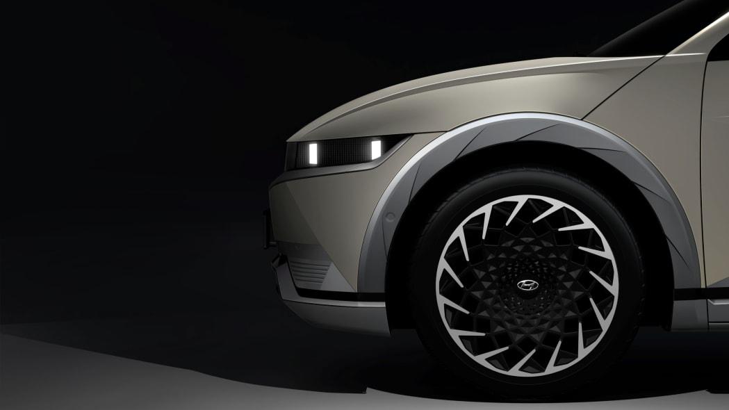 2022 Hyundai Ioniq 5 preview image