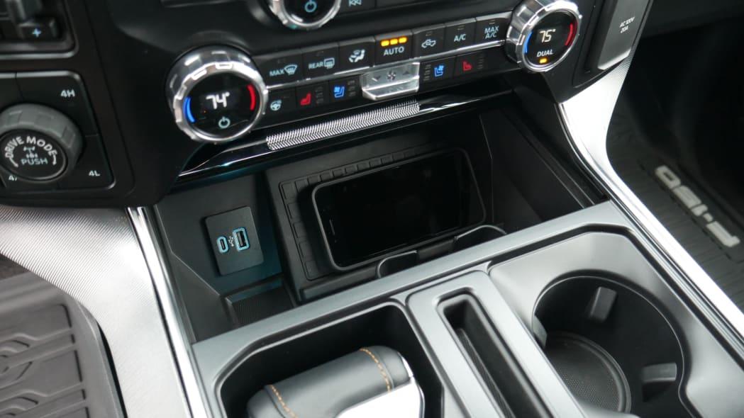 2021 Ford F-150 Super Crew Platinum PHEV phone charging