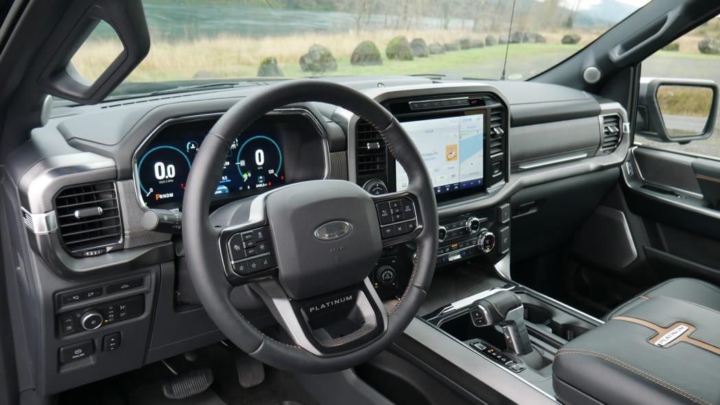 2021 Ford F-150 Super Crew Platinum PHEV steering wheel