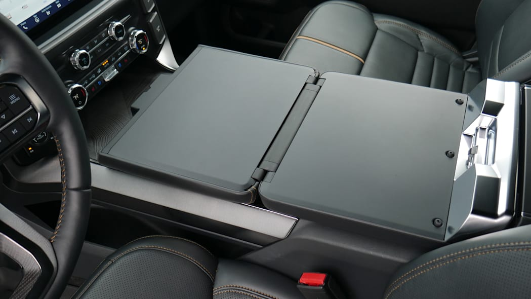 2021 Ford F-150 Super Crew Platinum PHEV tray out