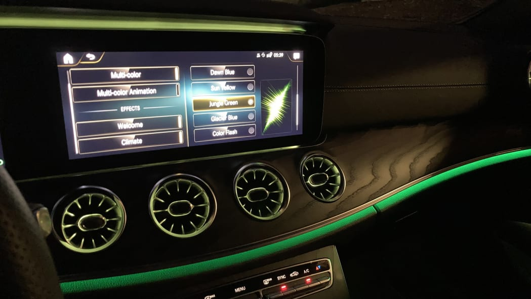 2021 Mercedes-Benz E450 Coupe Ambient Lighting Jungle Green