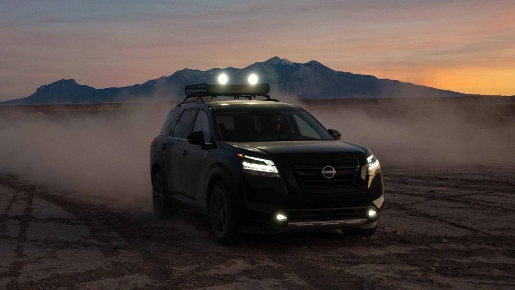 2022 Nissan Pathfinder_L-26