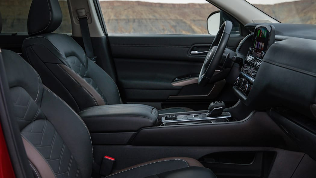 2022 Nissan Pathfinder_L-31