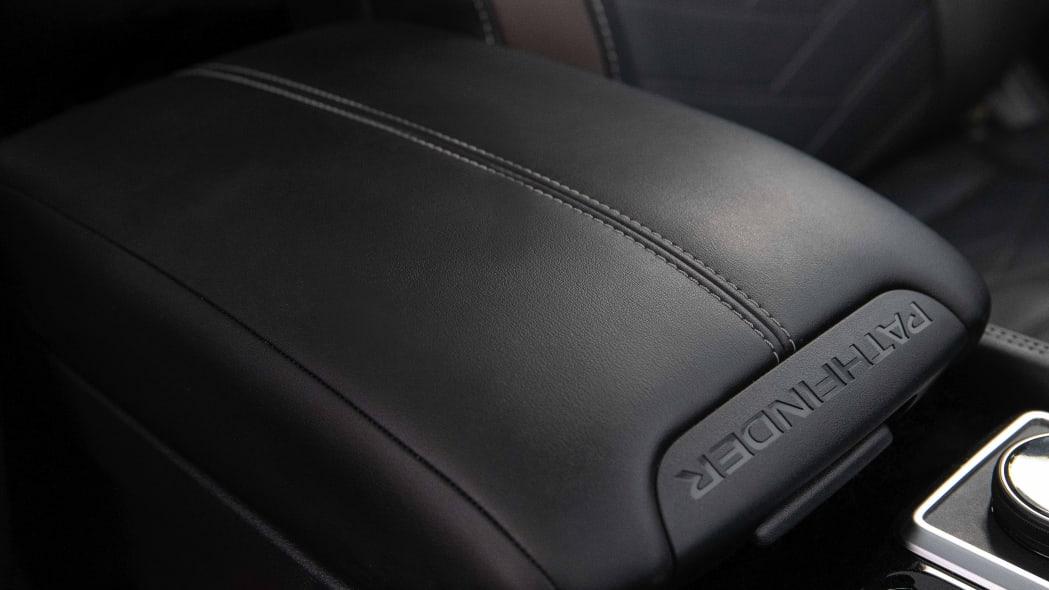 2022 Nissan Pathfinder_L-35