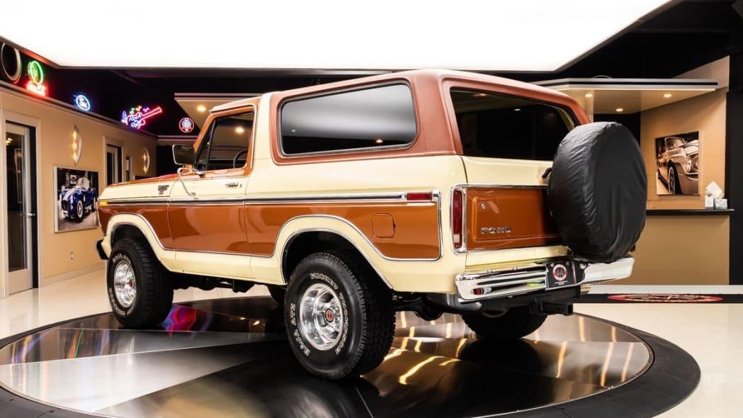 Bronco rear quarter