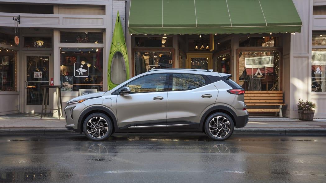 2022 Chevrolet Bolt EUV kayak store