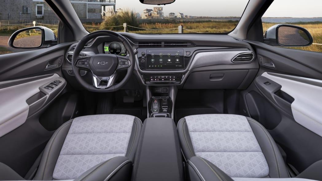 2022 Chevrolet Bolt EUV interior 2