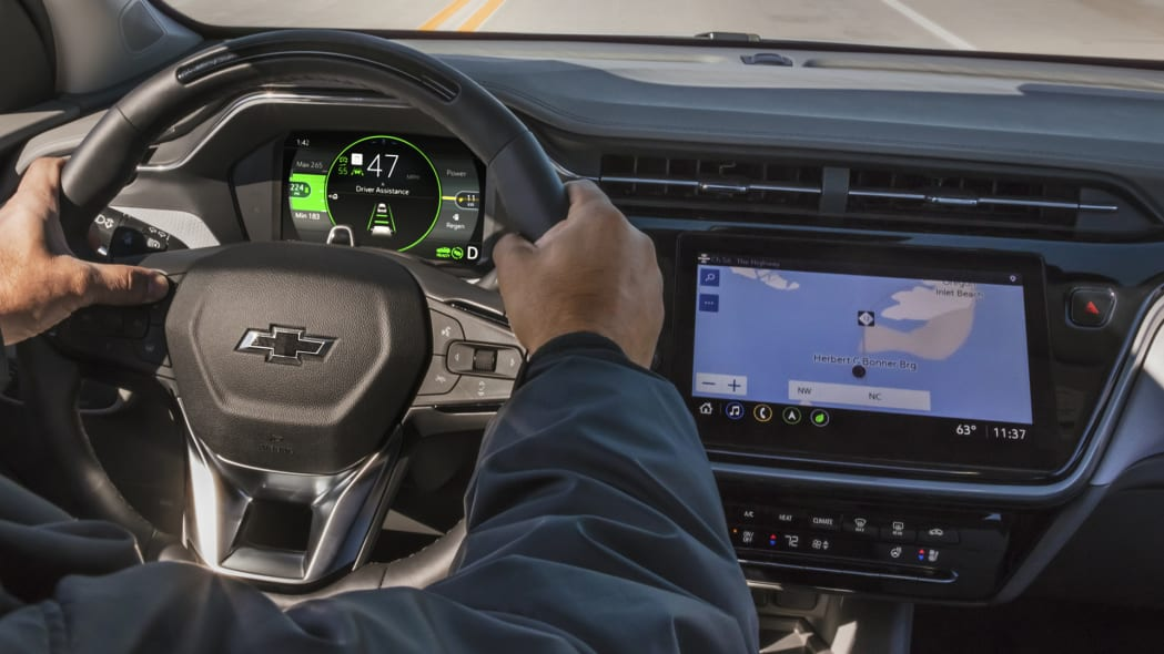 2022-Chevrolet-BoltEUV-017