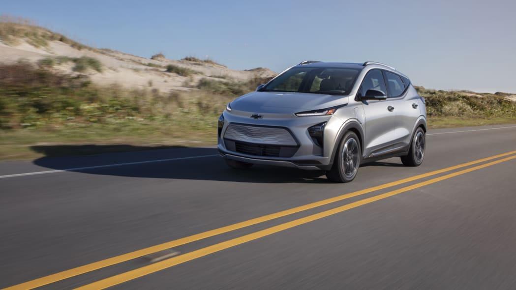 2022 Chevrolet Bolt EUV action front