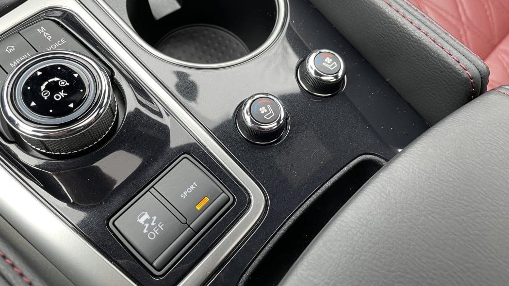 2021 Nissan Maxima 40th Anniversary Edition interior