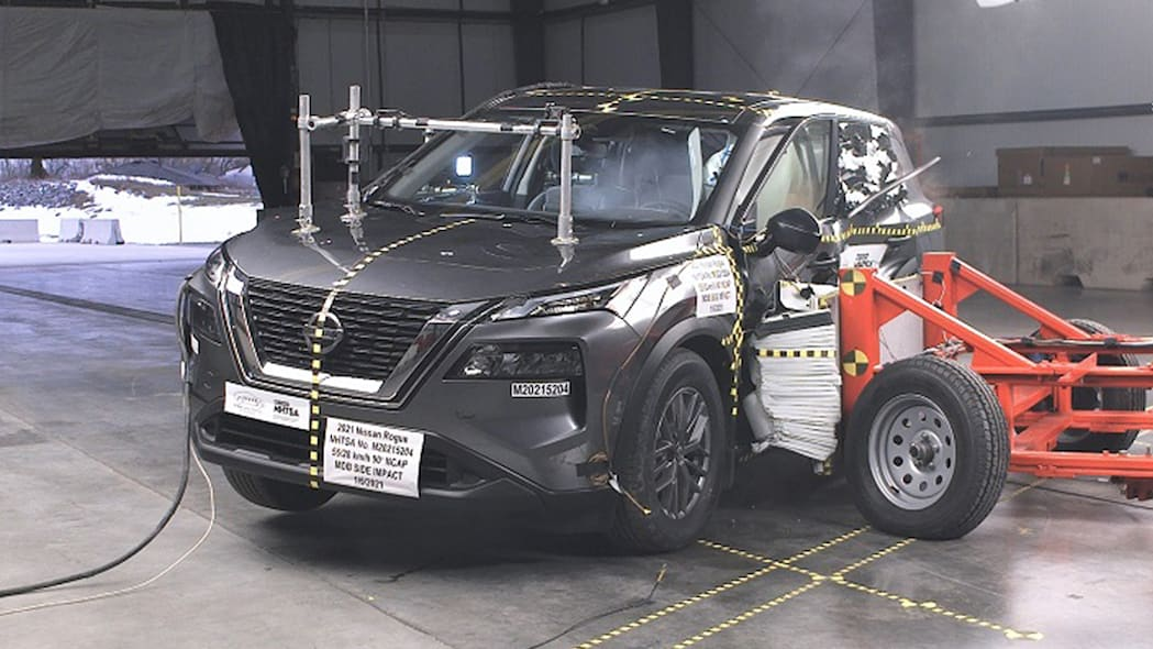 2021 Nissan Rogue NHTSA crash test