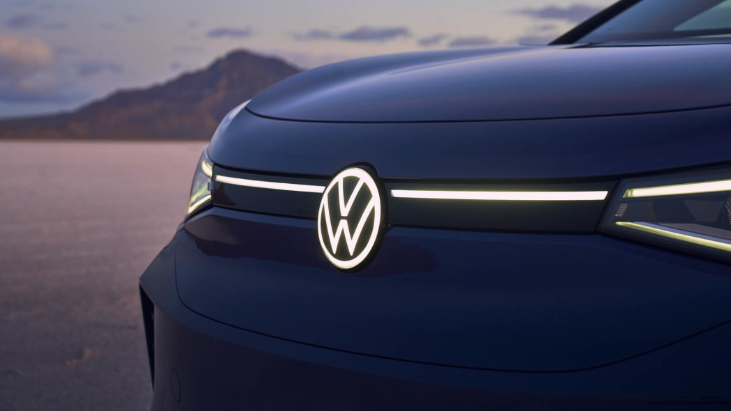 VW ID4 front accent lighting