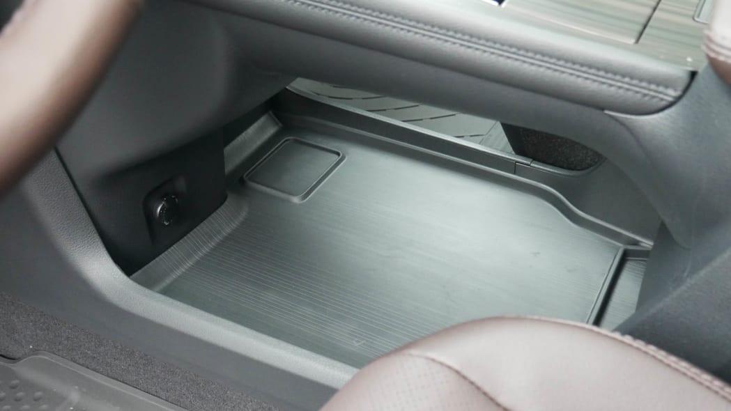 2021 Toyota Sienna interior storage under console