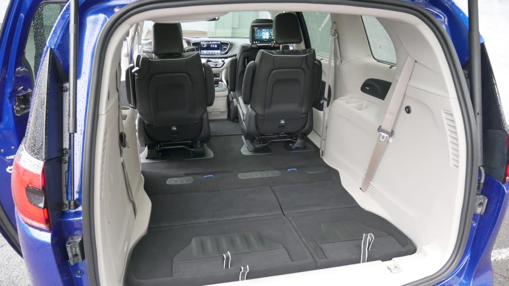 2021 Chrysler Pacifica Hybrid Limited interior maximum cargo