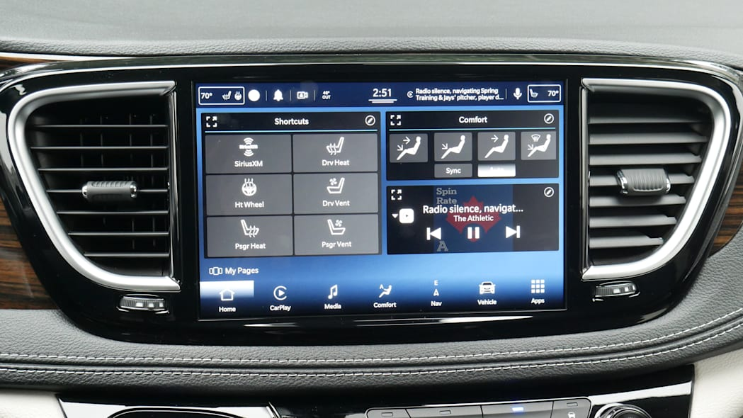 2021 Chrysler Pacifica Hybrid Limited interior uconnect home screen