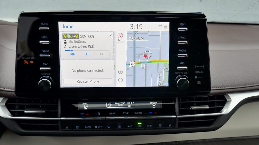 2021 Toyota Sienna interior tech home screen