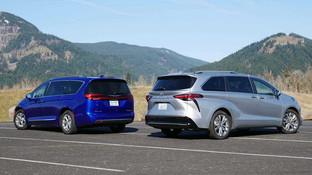 2021 Chrysler Pacifica Hybrid and 2021 Toyota Sienna comparison rear
