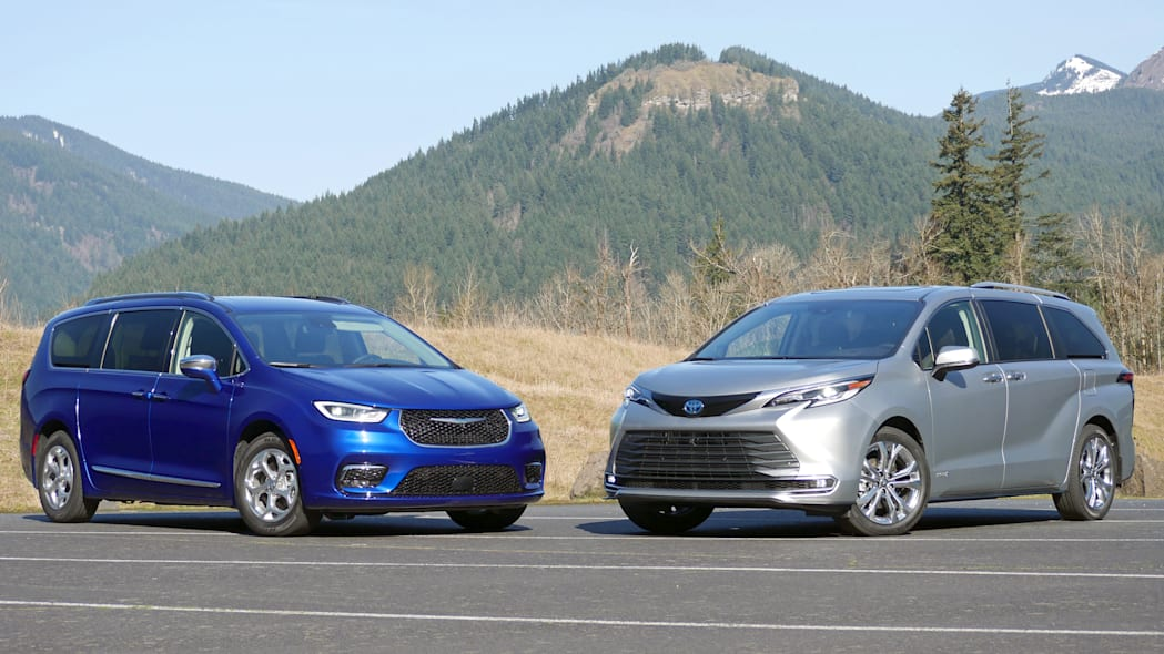 2021 Chrysler Pacifica Hybrid and 2021 Toyota Sienna comparison front