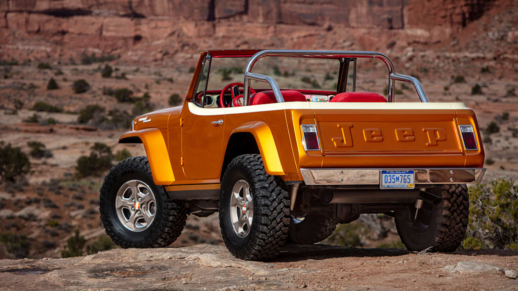 Jeepster Beach rear mid