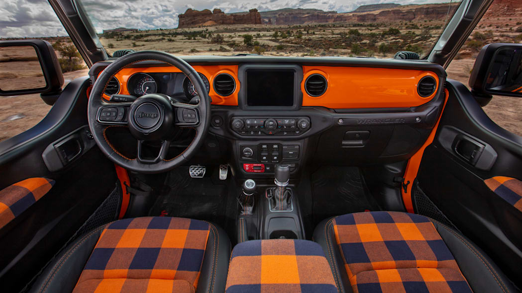 Jeep Orange Peelz interior