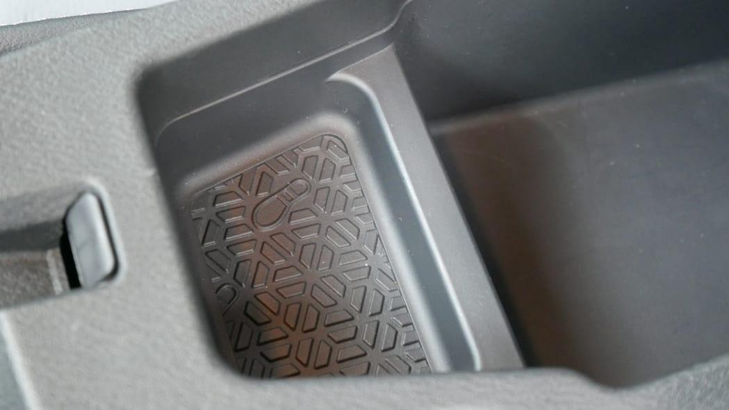 2021 Nissan Kicks SR Premium Interior armrest detail