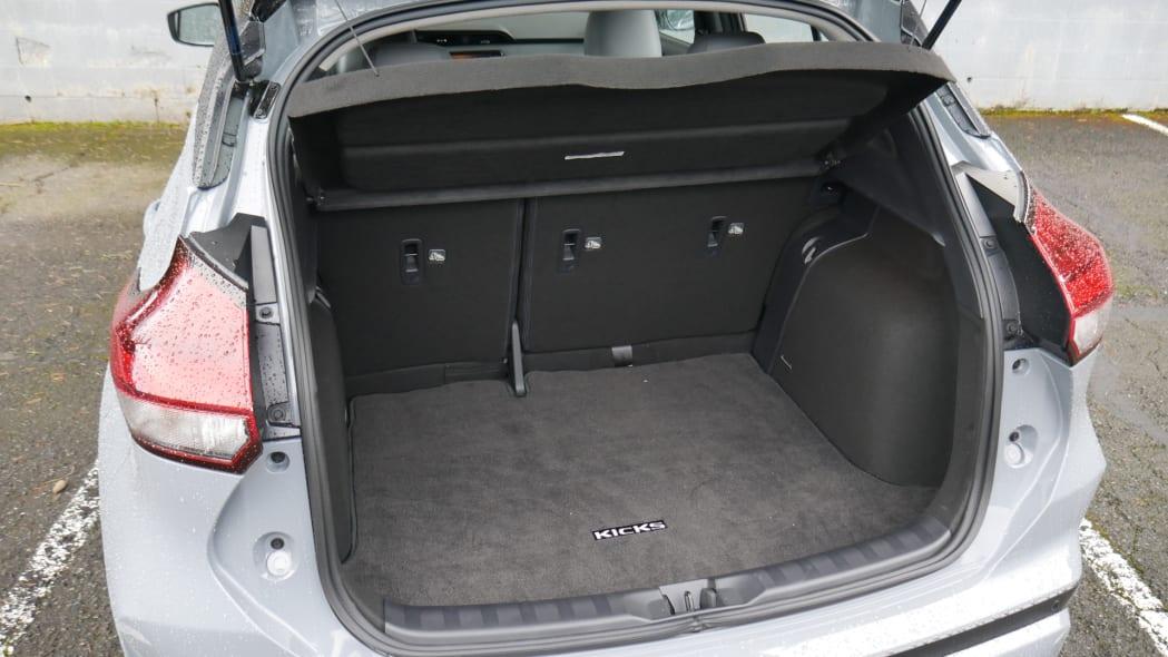2021 Nissan Kicks SR Premium Interior cargo