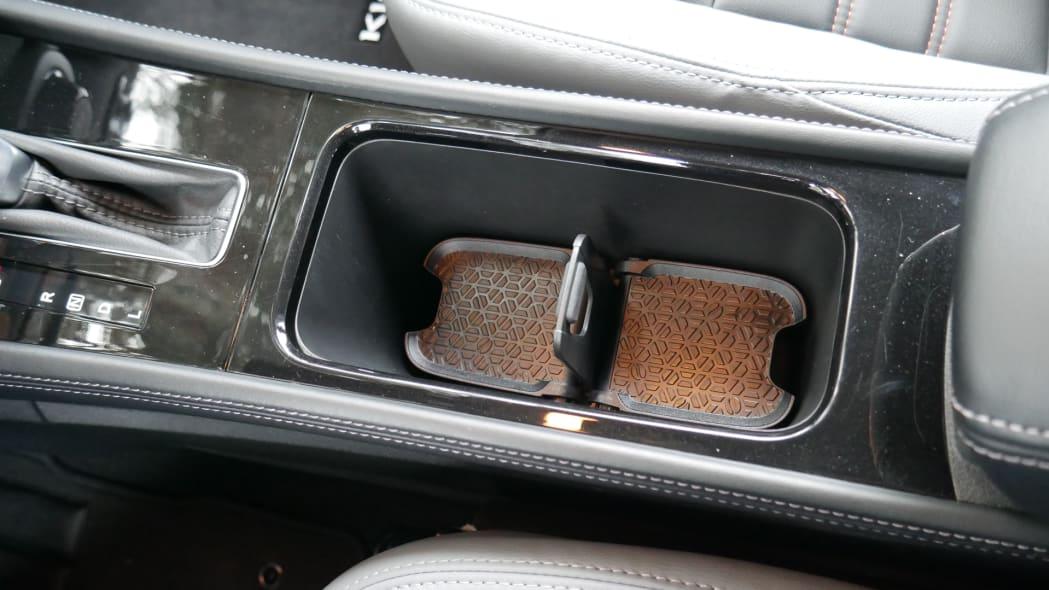 2021 Nissan Kicks SR Premium Interior cupholder both high