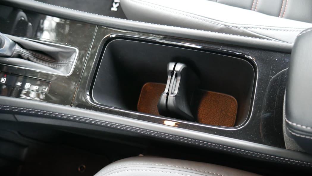2021 Nissan Kicks SR Premium Interior cupholder both low