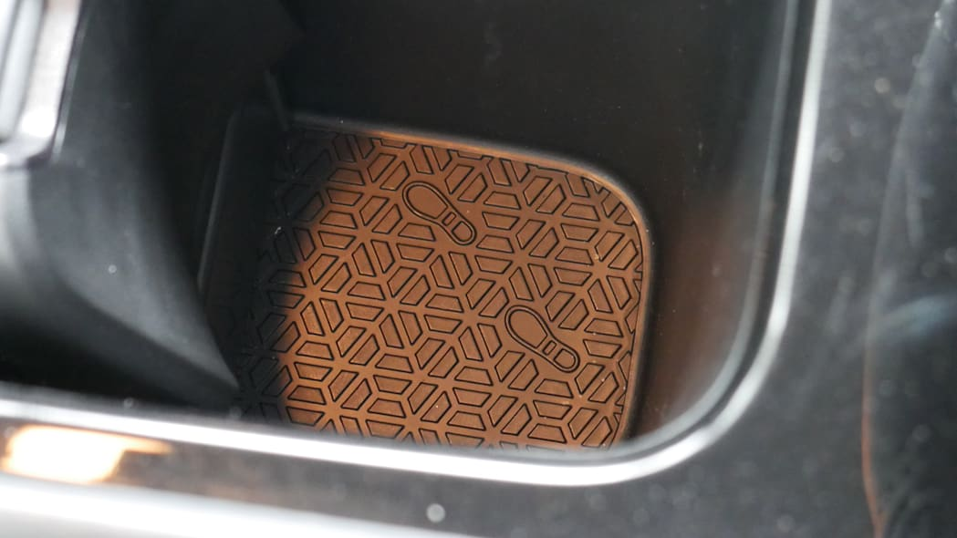 2021 Nissan Kicks SR Premium Interior cupholder foot emboss
