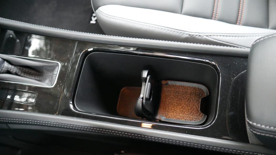 2021 Nissan Kicks SR Premium Interior cupholder one up one down