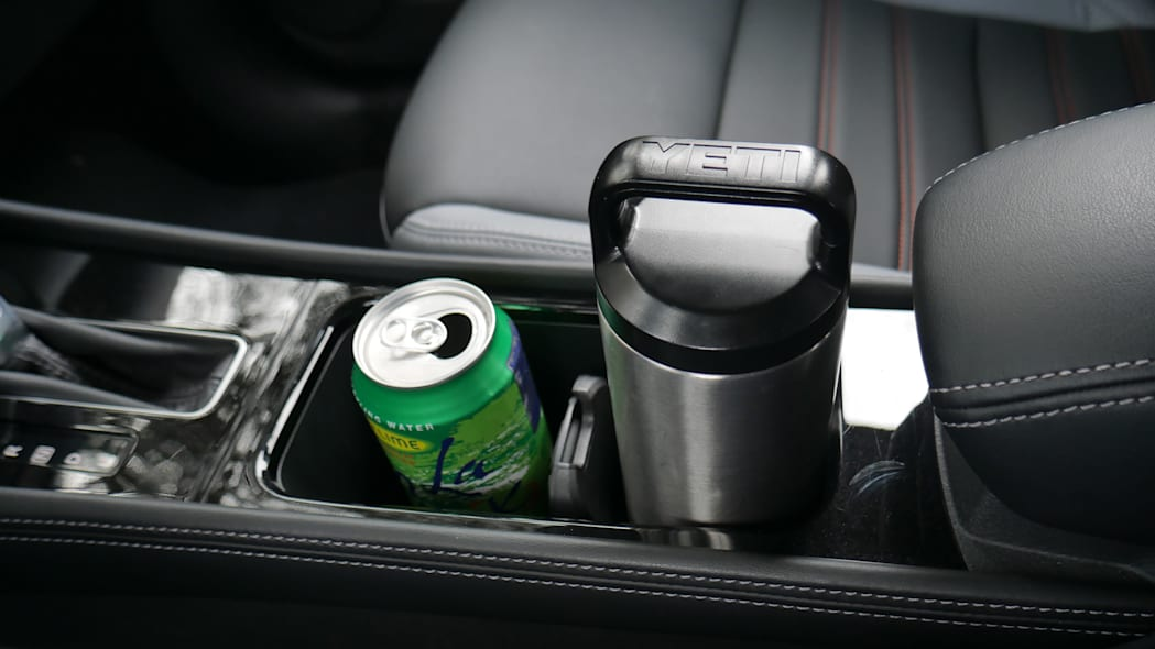 2021 Nissan Kicks SR Premium Interior cupholder with bottle and can high