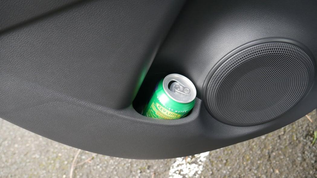 2021 Nissan Kicks SR Premium Interior rear door cupholder