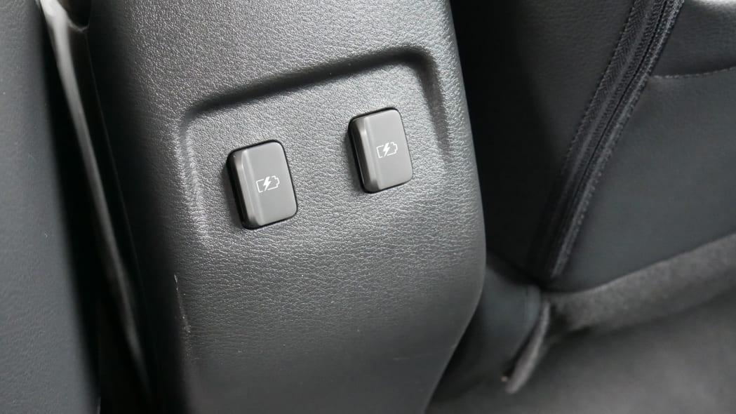 2021 Nissan Kicks SR Premium Interior rear USB