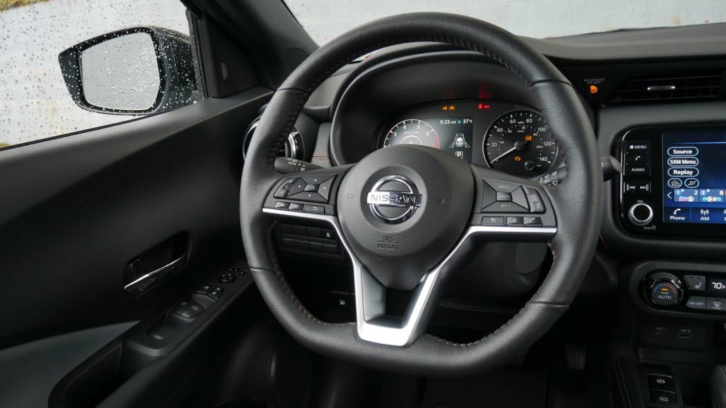 2021 Nissan Kicks SR Premium Interior steering wheel