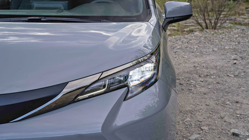 2022_Toyota_Sienna_Woodland_Special_Edition_005-scaled