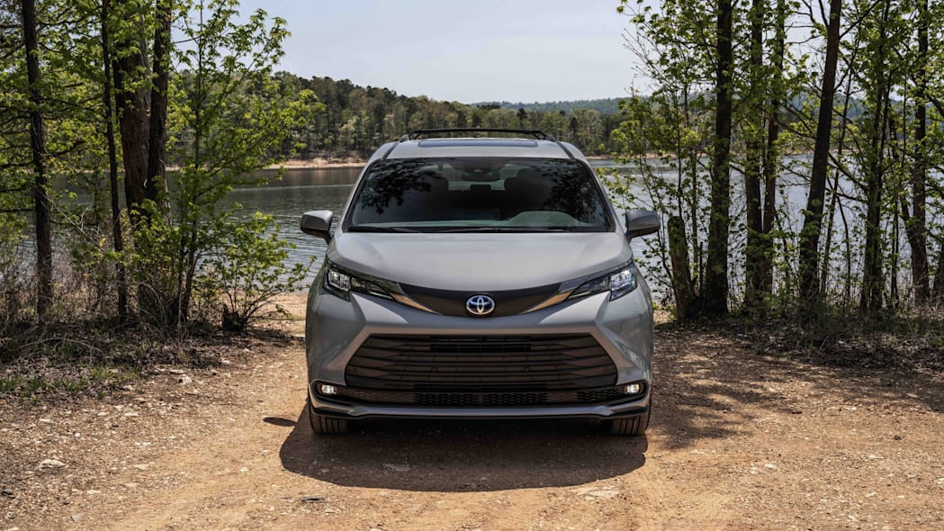 2022_Toyota_Sienna_Woodland_Special_Edition_008-scaled