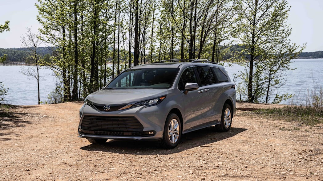 2022_Toyota_Sienna_Woodland_Special_Edition_011-scaled