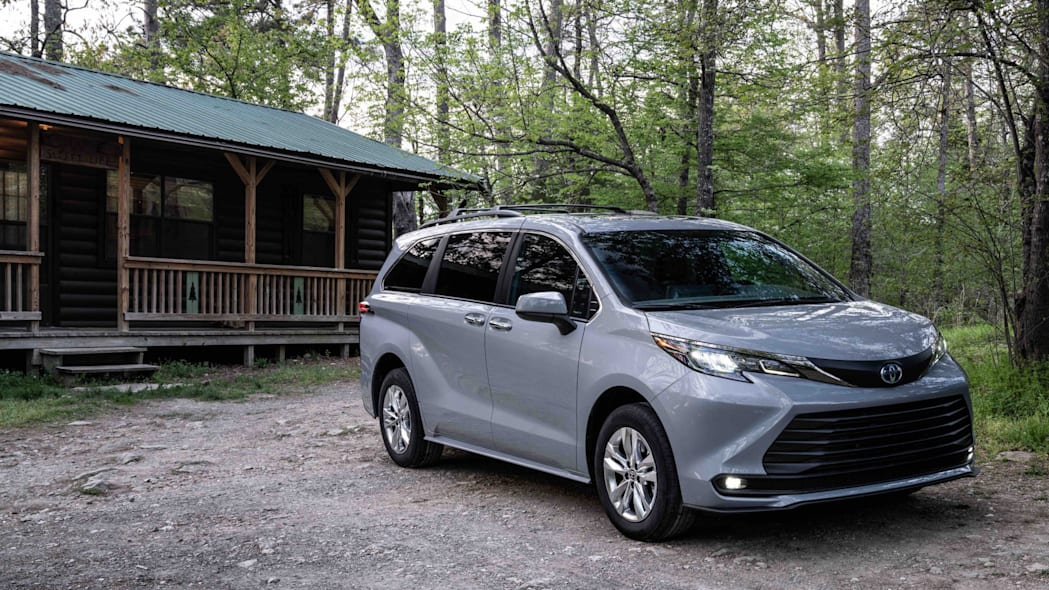 2022_Toyota_Sienna_Woodland_Special_Edition_015-scaled
