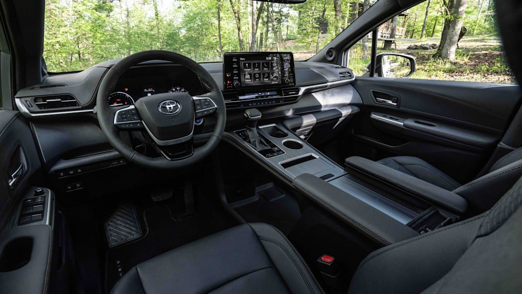 2022_Toyota_Sienna_Woodland_Special_Edition_018-scaled