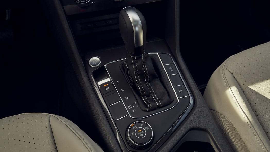 2021 VW Tiguan shifter