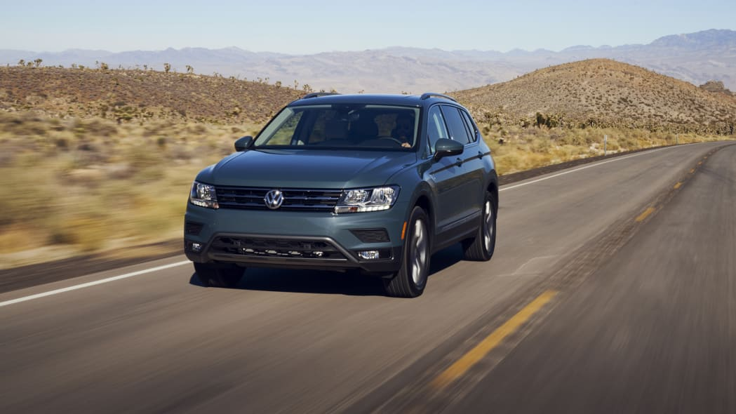 2021 VW Tiguan action front