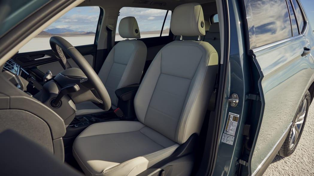 2021 VW Tiguan front seats