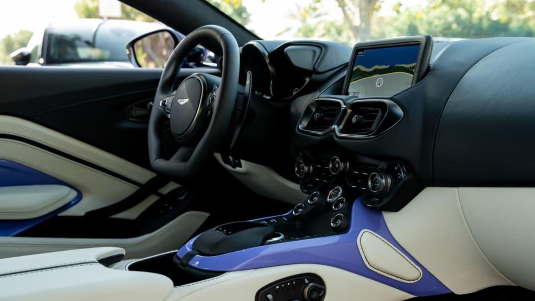 Aston Martin Newport Beach Vantage Ultra Violet 06