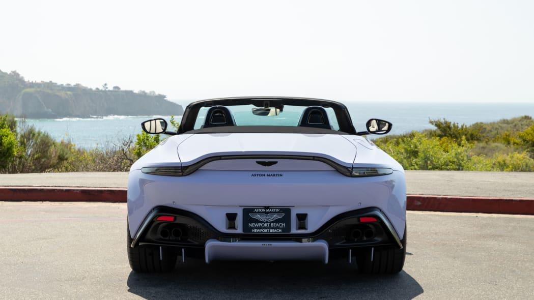 Aston Martin Newport Beach Vantage Cardamom Violet 03