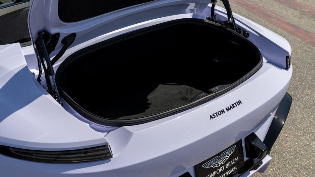 Aston Martin Newport Beach Vantage Cardamom Violet 04