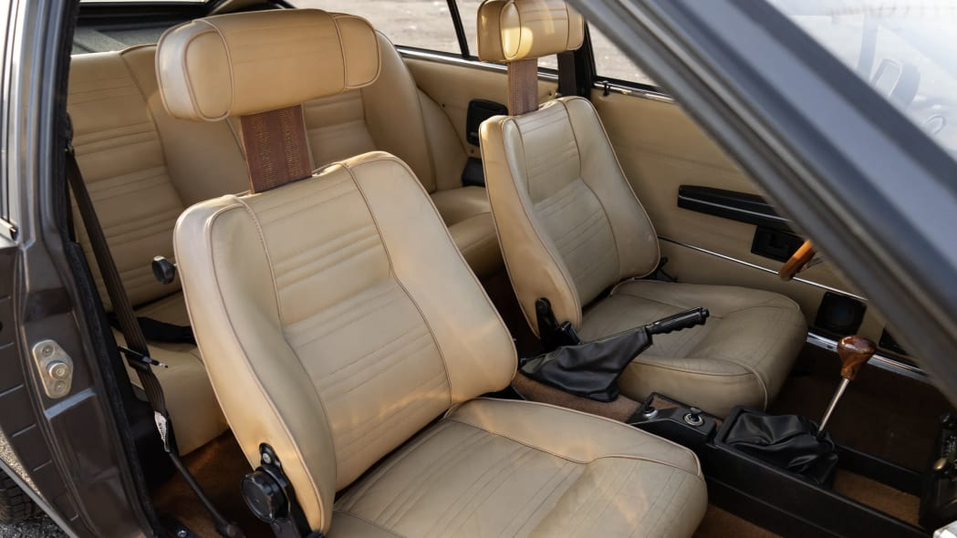 Mario Alfa seats