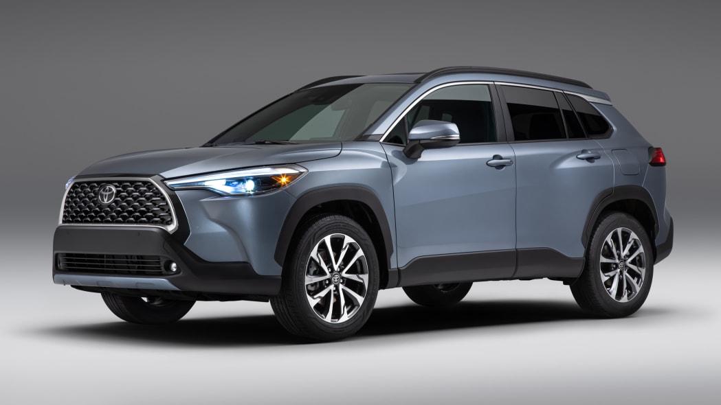 2022_Toyota_Corolla_Cross_Celestite_001