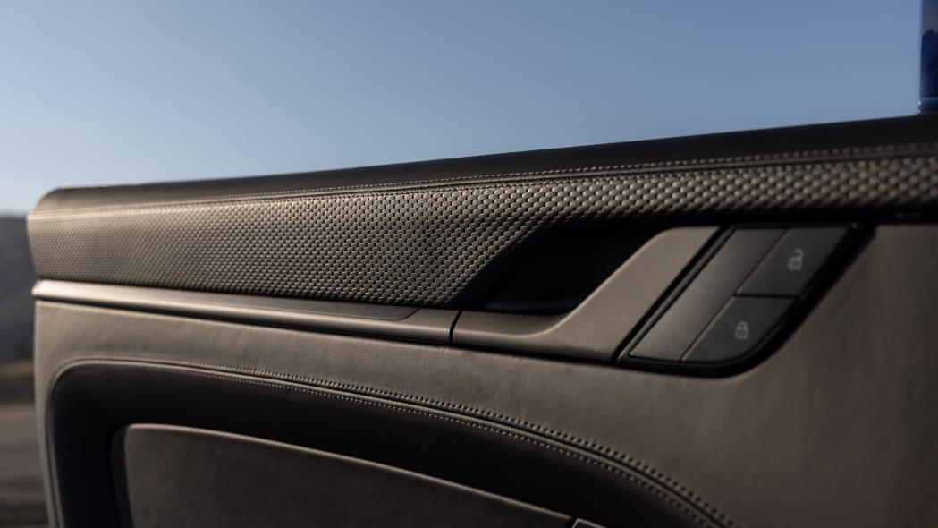 2022 Porsche 911 GT3 Touring chain embossed door leather