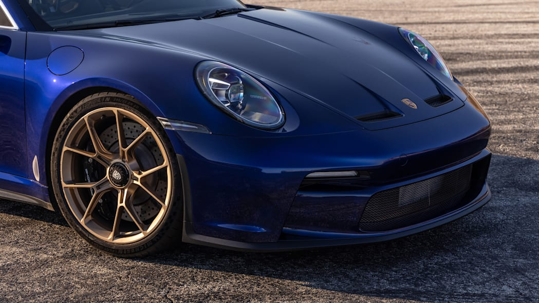 2022 Porsche 911 GT3 Touring front fascia